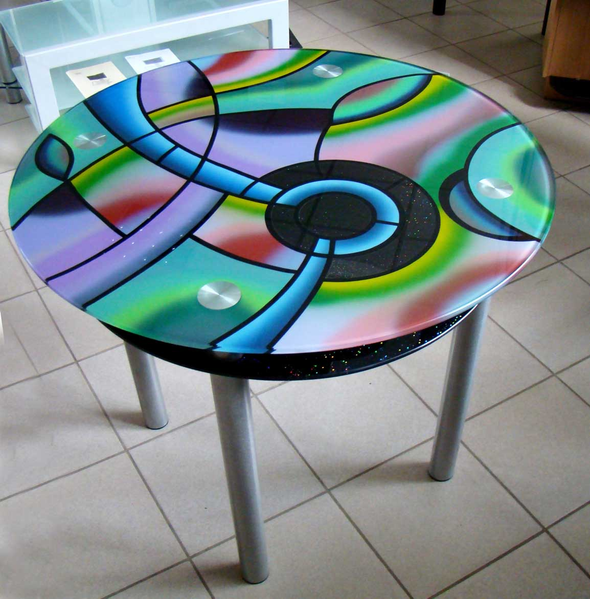 Декорировать стеклянный столик своими руками